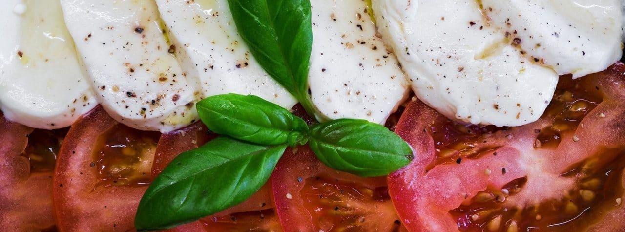 amalfi coast food - mozzarella tour